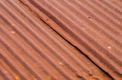 Ośniedziały stary cyna dachu tekstury tło obraz stock