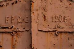 Ośniedziały stary drzwi Fotografia Stock