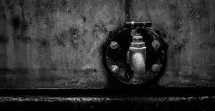 Ośniedziały stary faucet Zdjęcie Stock