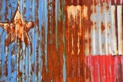 Ośniedziały Szkotowy metal Z rewolucjonistką, bielem i Błękitną farbą, Fotografia Stock