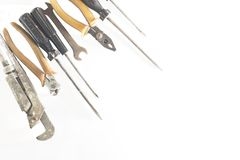 Ośniedziali starzy metali narzędzia lokalizować w kącie zdjęcie royalty free