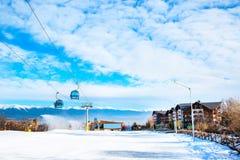Ośrodek narciarski Bansko, Bułgaria, ludzie, góra widok Fotografia Stock