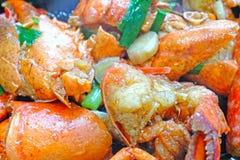"""O †chinês da culinária """"fritou a lagosta com gengibre e a cebola chinesa foto de stock royalty free"""