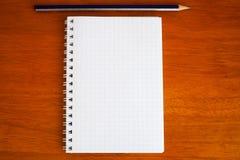 Ołówek na notatniku Zdjęcie Royalty Free