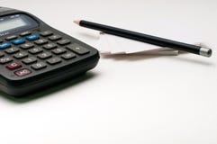 Ołówek na papier notatce, kalkulator Zdjęcia Royalty Free