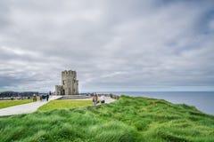 O `在Moher,爱尔兰峭壁的Briens塔  库存照片