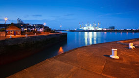 O2竞技场的看法从狗小岛,伦敦的 库存照片