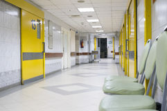 κενό νοσοκομείο διαδρόμ&o Στοκ Εικόνες