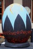 ЛЬВОВ, УКРАИНА - 4-ое апреля: Большие поддельные пасхальные яйца на фестивале o Стоковые Фотографии RF