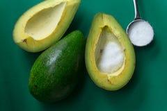 O abacate deve ser comido com açúcar para ser delicioso Fotografia de Stock