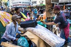 O acampamento desabrigado e tende em Sao Paulo do centro fotos de stock royalty free