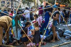 O acampamento desabrigado e tende em Sao Paulo do centro imagens de stock