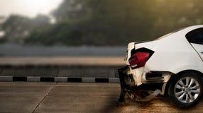 o acidente de trânsito danificou no acidente na rua, d do acidente de viação da estrada Fotos de Stock