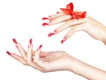 O acrílico prega o tratamento de mãos Imagem de Stock Royalty Free
