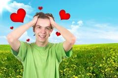 O adolescente alegre. Corações vermelhos fotos de stock