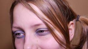 O adolescente deprimido é triste e culpado Retrato do close up 4k UHD filme