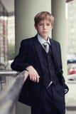 O adolescente do negócio olha para a frente Fotos de Stock Royalty Free