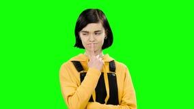 O adolescente pensativo reflete no teorema Tela verde filme