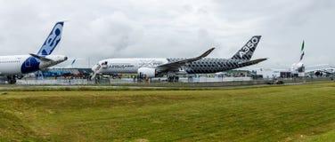 O Airbus o mais novo A350 XWB no aeródromo Imagens de Stock Royalty Free