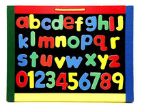 O alfabeto rotula a placa de giz foto de stock