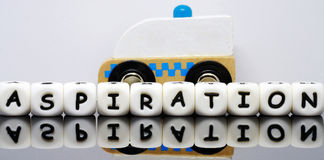 O alfabeto rotula a soletração de uma aspiração da palavra Fotografia de Stock Royalty Free
