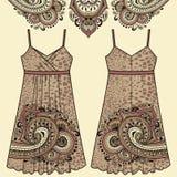 O algodão, a seda, o jérsei com paisley oriental e o animal da tela do vestido do verão das mulheres do esboço imprimem o teste p Fotografia de Stock