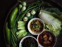 O alimento dos povos nas comunidades rurais fotografia de stock royalty free