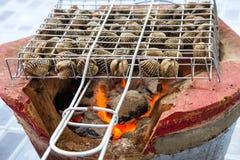 O alimento queimado berbigão denomina Tailândia Foto de Stock Royalty Free