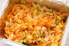 O alimento saudável leva embora na caixa da folha, salada do aipo Imagem de Stock