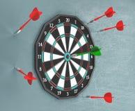 O alvo com dardos, esporte, 3d rende a ilustração Imagem de Stock