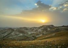 O alvorecer acima do deserto Fotos de Stock Royalty Free