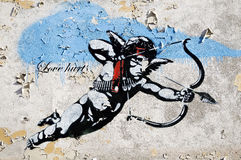 O amante fere a arte da rua em Berlim Imagens de Stock