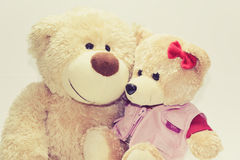 O amor de dois ursos de peluche Fotografia de Stock