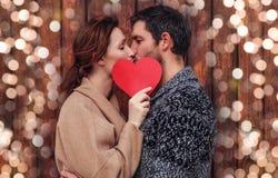 O amor está no ar imagens de stock