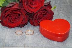 O amor está toda ao redor fotos de stock royalty free