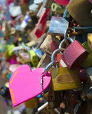 O amor padlocks na torre de Seoul no parque de Namsan Foto de Stock