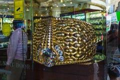 O anel de ouro o mais grande no ouro Souq de Deira pesa 63 85kg em Nove Fotos de Stock Royalty Free