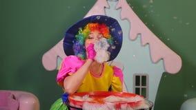 O animador da menina deixa as bolhas felizes filme