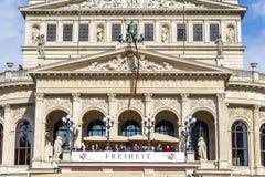 25o aniversário da unidade alemão em Francoforte, pessoa no balcão Fotografia de Stock Royalty Free