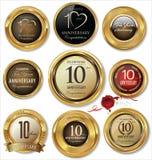 O aniversário dourado etiqueta 10 anos Fotos de Stock
