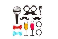 O aniversário e o partido de Photobooth ajustaram - vidros, chapéus Fotografia de Stock Royalty Free