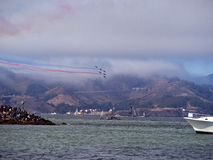 O anjo azul aplana o vôo acima de San Francisco Bay Fotografia de Stock