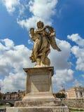 O anjo com a coroa de espinhos imagem de stock