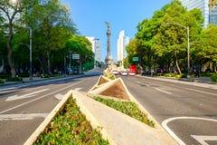 O anjo da independência em Paseo de la Reforma em Cidade do México imagem de stock royalty free
