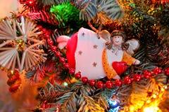 O anjo na árvore de Natal Fotos de Stock Royalty Free