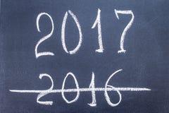 O ano novo 2017 é conceito de vinda - inscrição 2016 e 2017 Fotografia de Stock Royalty Free