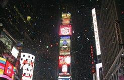 O ano novo cumprimentou às vezes o quadrado Imagens de Stock Royalty Free