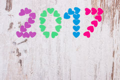 O ano novo feliz 2017 fez dos corações coloridos, espaço da cópia para o texto Imagens de Stock Royalty Free