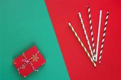 O ano novo ou o Natal apresentam a preparação DIY configuração lisa, vista superior, celebração do feriado do Xmas, bandeira dour fotografia de stock royalty free