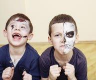O apocalipse do zombi caçoa o conceito Facepaint da celebração da festa de anos na noiva inoperante das crianças, cara da cicatri Fotografia de Stock Royalty Free